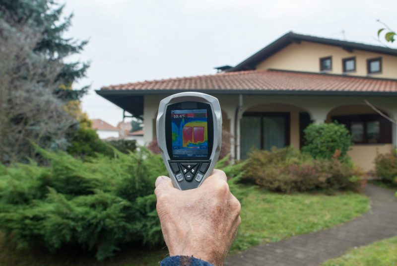 Thermal imaging of a home t o look at heat